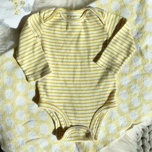 Carter's matching vest set